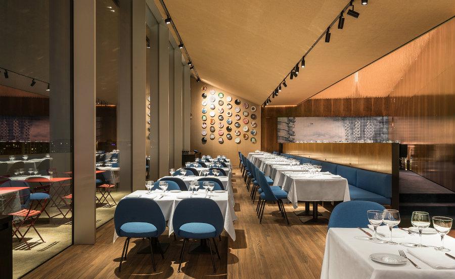 Modern restaurant interior design ideas