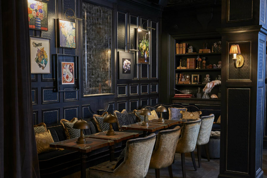 London cocktail bars - Fitz furniture decor