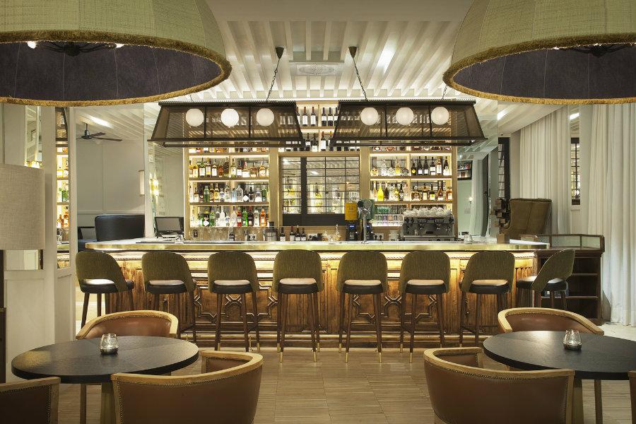 Luxury hotel bar decor - CAMIRAL hotel