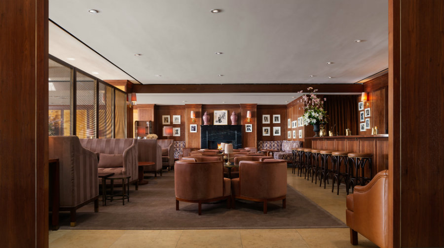 Los Angeles restaurant - Tower lounge bar seating
