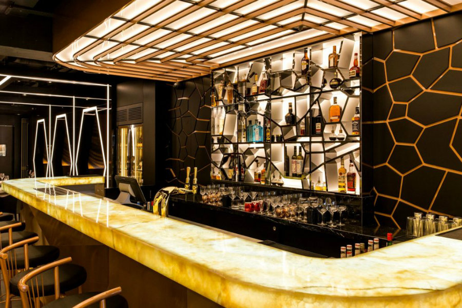 Luxury Bar decor ideas in black and gold tones