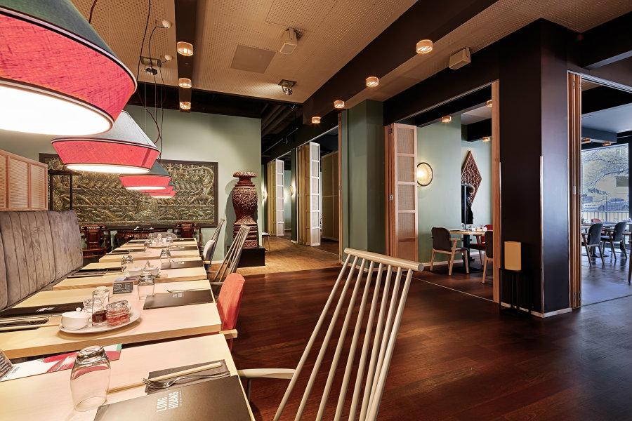 Modern restaurant decor Long Huang at Zurich