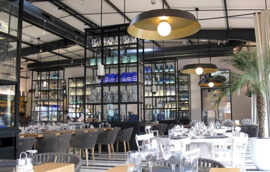 Azur Restaurant Decor