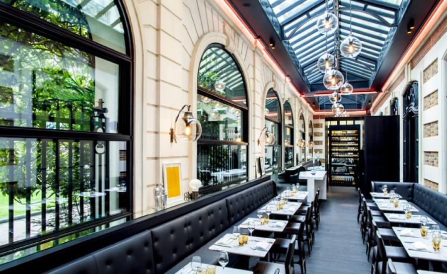 Café Artcurial Mid-century interior design