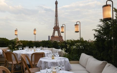 Luxury Restaurant in Paris